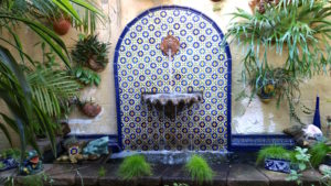 mission-hills-garden-blue-tile-fountain